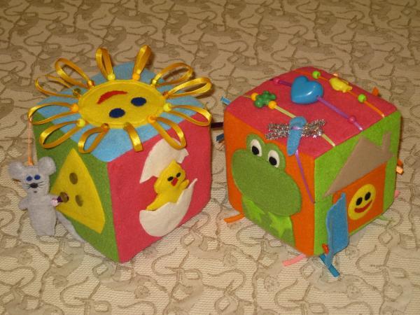 тактильный, развивающий куб