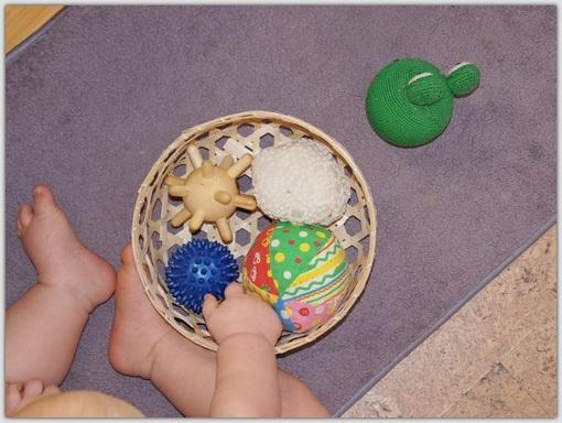 Первые цветные цилиндры для малыша